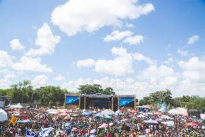 audience-celebration-clouds-920888