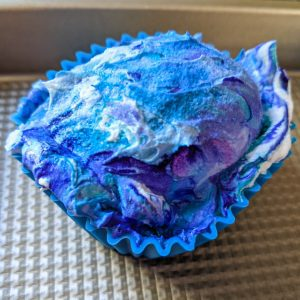 Tie-dyeing egg step 2